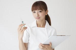 Nurses have a syringe
